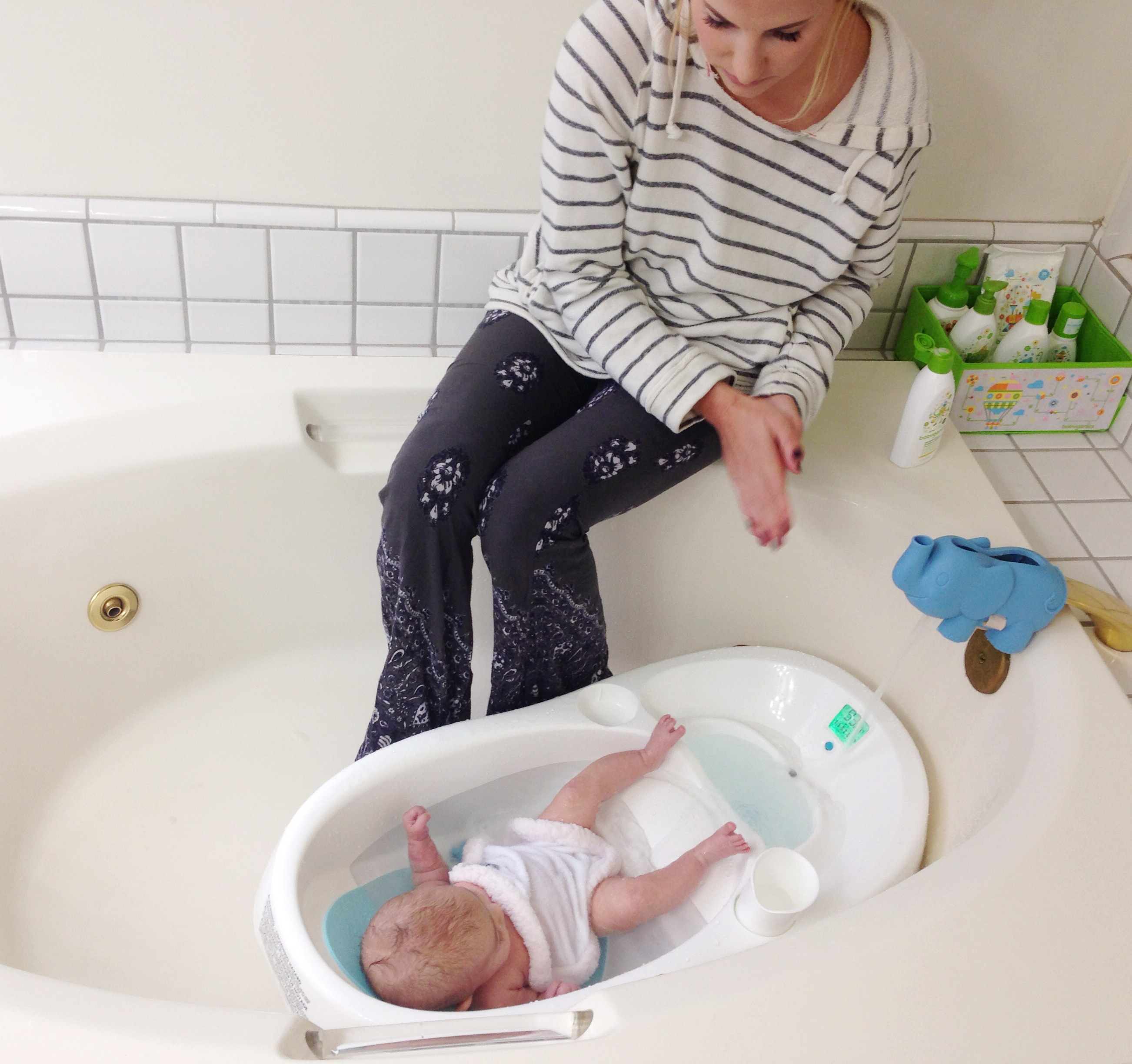 The Proper Way to Bathe Your Newborn Baby - Blog for Mom