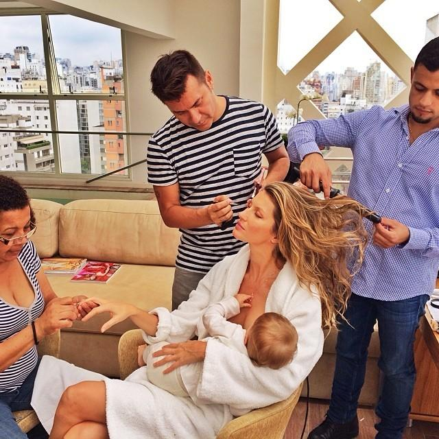 Giselle Bundchen breastfeeding with glam squad